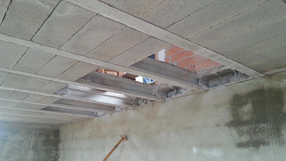 Abrir un hueco en forjado para escalera arqyal for Como cerrar una escalera interior